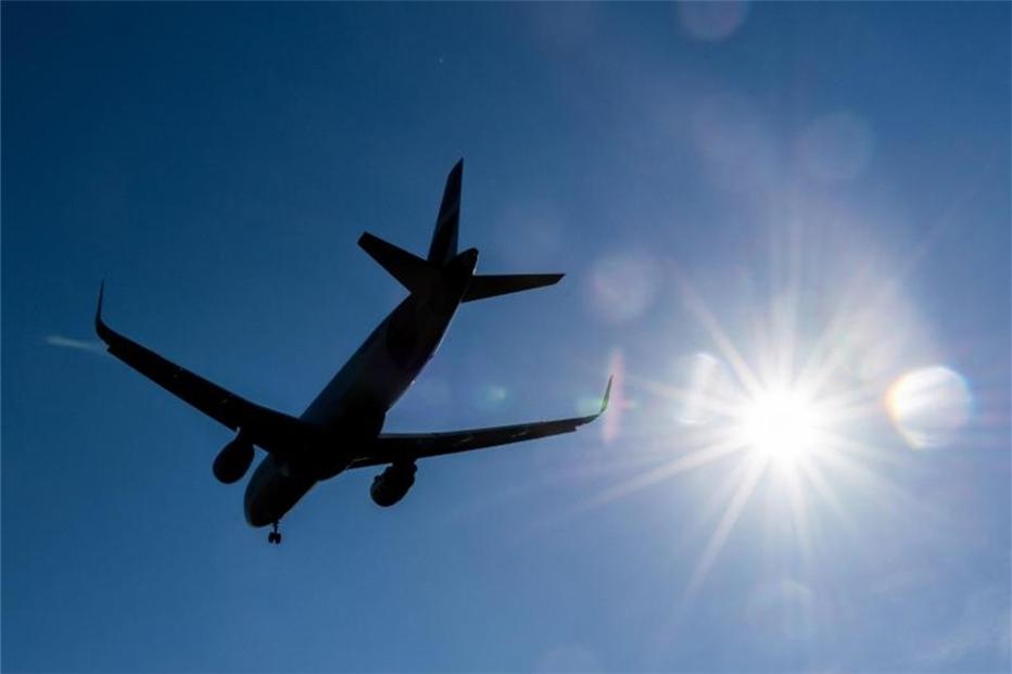 Scheuer sagt Luftverkehrsbranche weitere Unterstützung zu