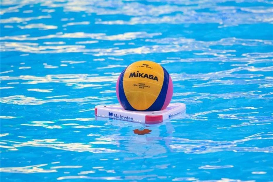 Spandaus Wasserball-Frauen gewinnen 11:8 gegen Uerdingen