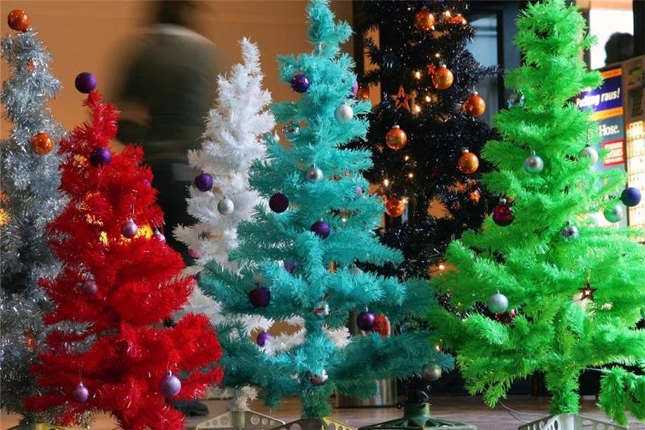 Weihnachtsbaum Aus Plastik